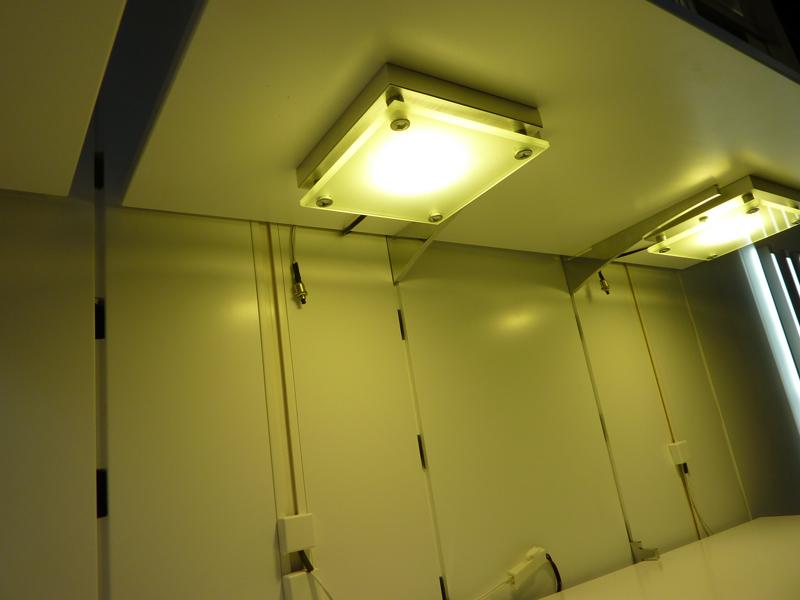 kopps kontor licht und m bel trends interzum 2011 power led unterbauleuchten. Black Bedroom Furniture Sets. Home Design Ideas