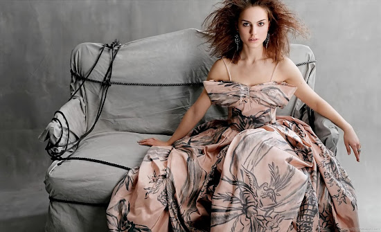 Natalie Portman Latest Hollywood Wallpaper-01