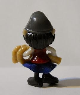 figura en miniatura de Kinder