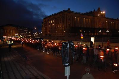 Факельное шествие шведских фашистов у королевского дворца