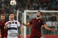 Manchester United are preparing a double swoop for Roma's  Miralem Pjanic and Radja Nainggolan, according to reports in Italy.
