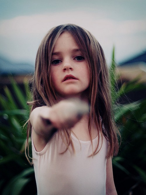 cute-kid-girl-alone-sad
