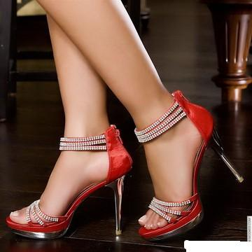 By Fashion: Latest High Heel Fashion- Modern Women Fashion 2011