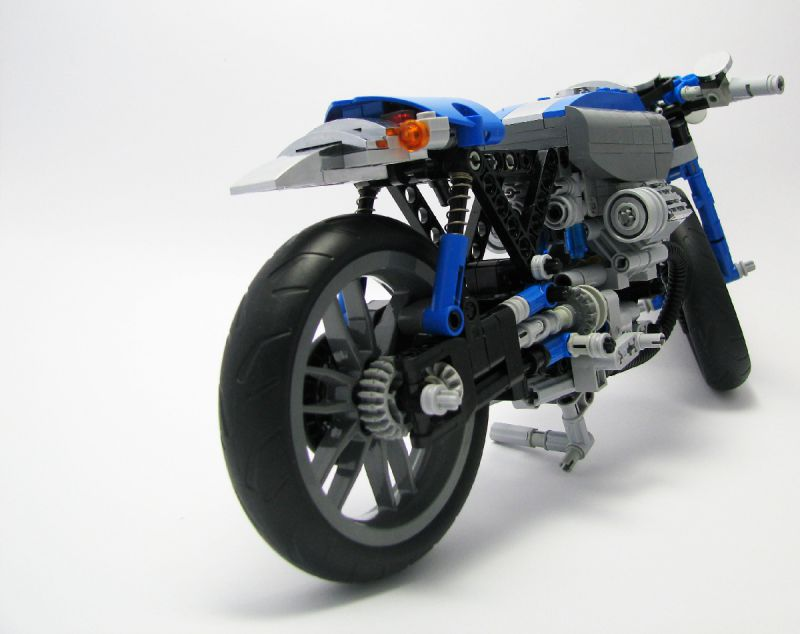 lego technic motorcycles custom moto guzzi based cafe. Black Bedroom Furniture Sets. Home Design Ideas