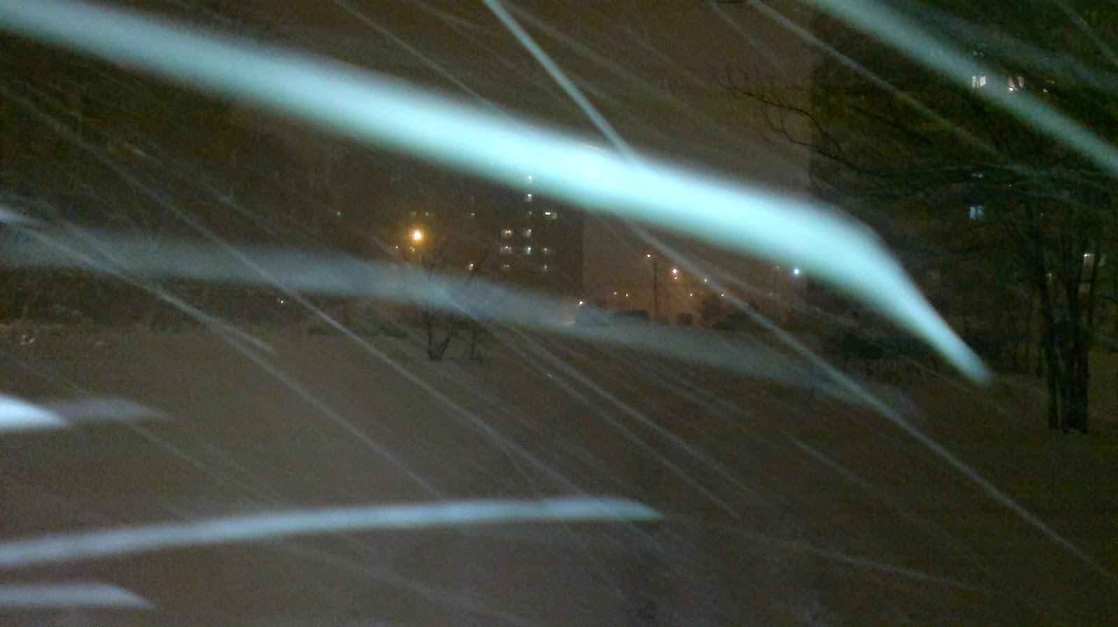 Снег на улице