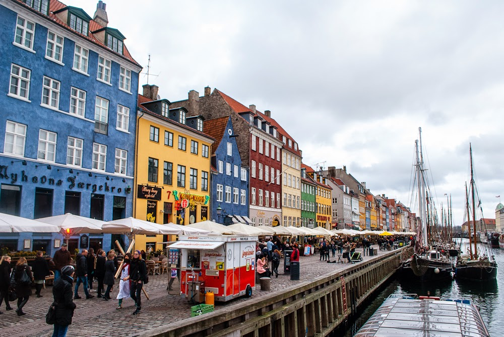 food places along nyhavn