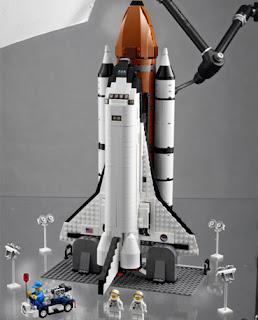 Lego lança ônibus espacial