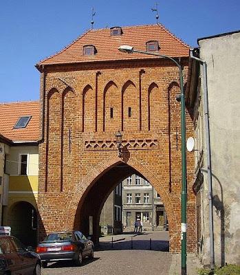 Brama Wysoka (Połczyńska) (XIV w.)