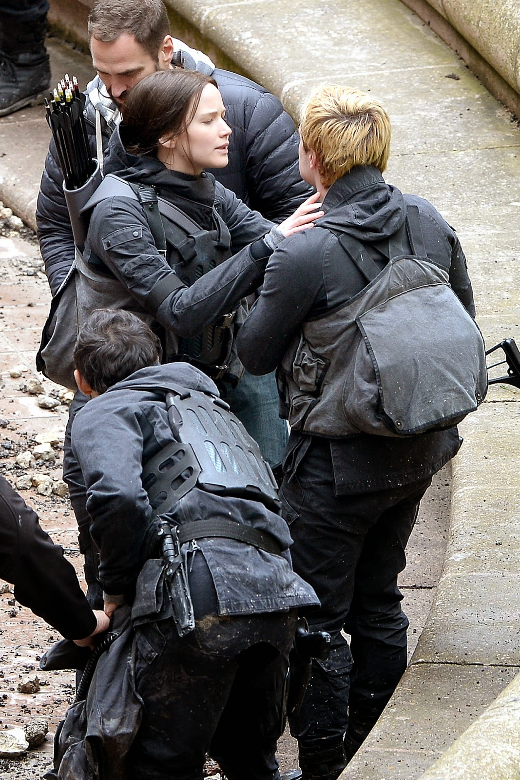 mockingjay movie set behind-the-scenes jennifer lawrence katniss