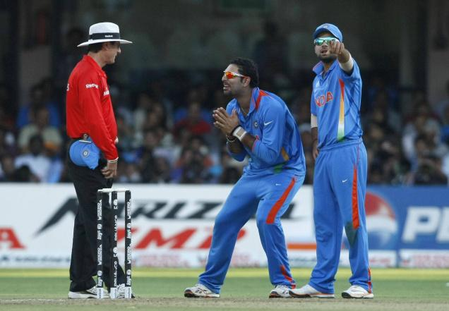 DRS Review : Play by the eye or Hawk-eye, but not both : Watch IPL ...