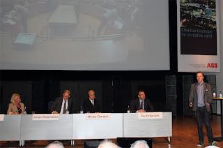 Johan Wendt, Mattecentrum presenterade volontärhjälp inom matematik. Bra initiativ!