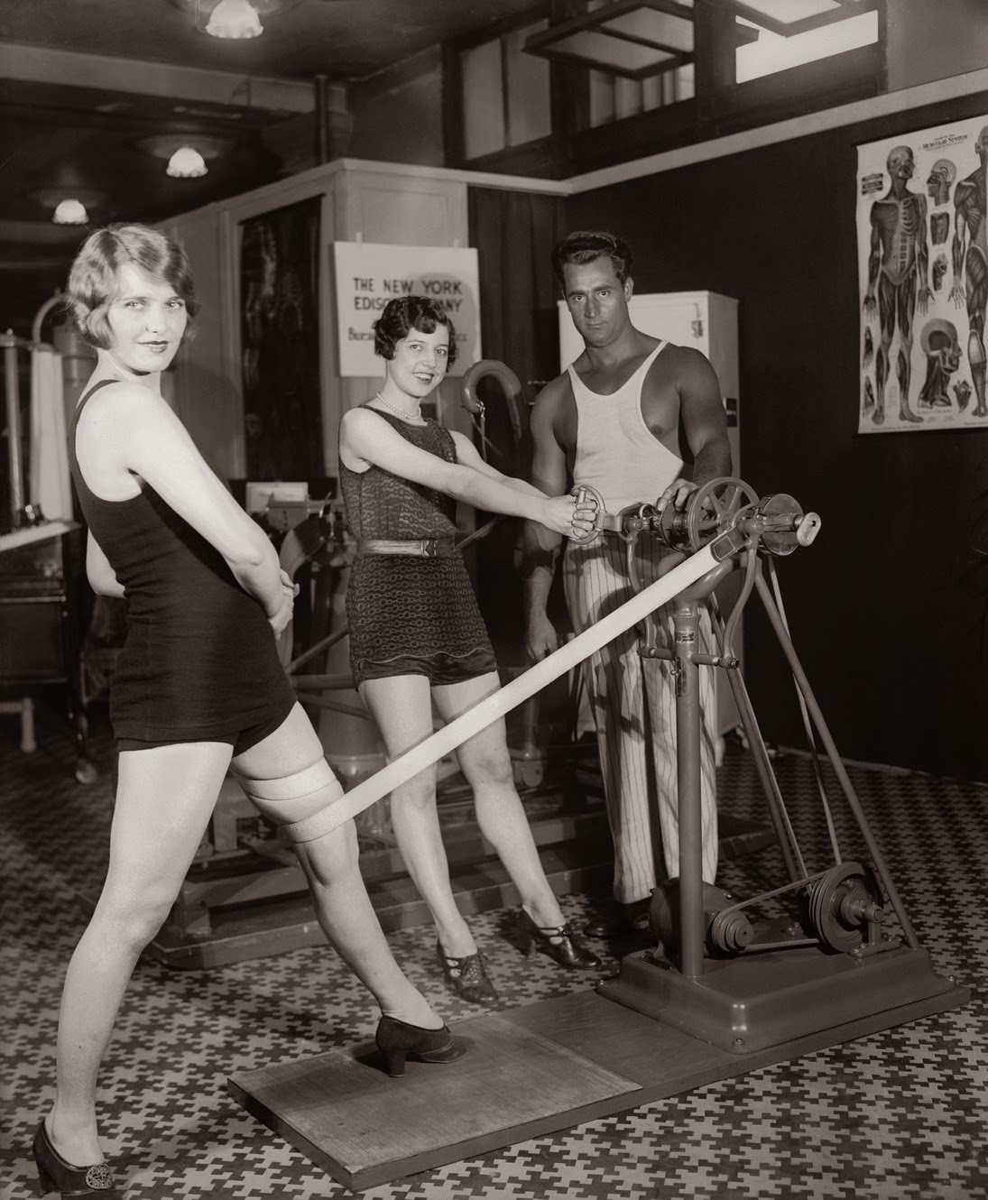 photos of women in workout gear in 1930s pix i am bored