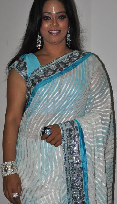 devipriya in saree actress pics
