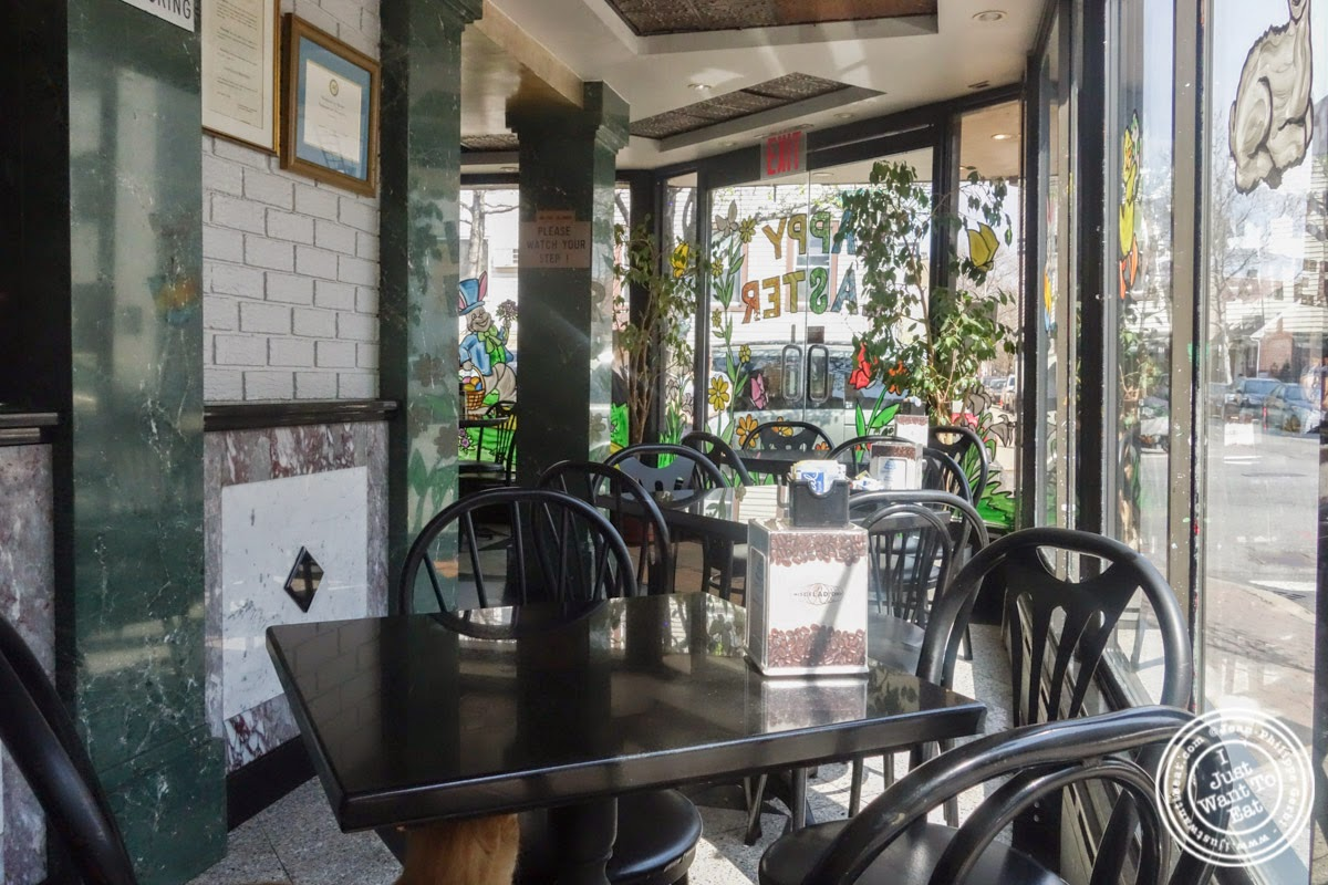 image of seating area at Fortunato Brothers, Italian Bakery in Williamburg, Brooklyn, NY