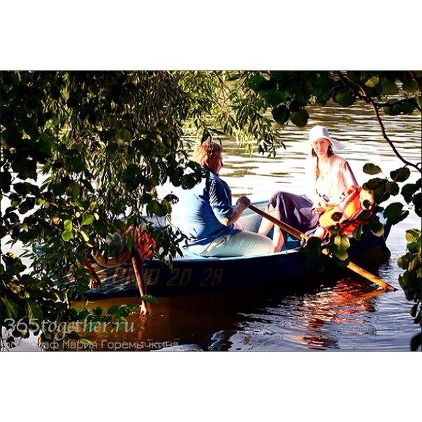 сонник плыть на лодке по прозрачной воде
