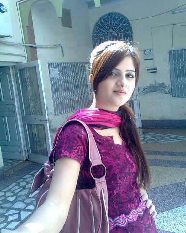 Hot Pakistani Women