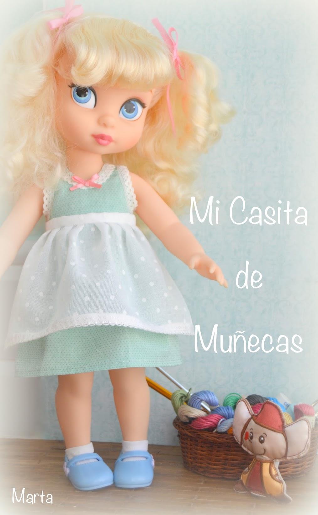 Cenicienta y Bella Disney Animators. Vestidos hechos a mano. Mi Casita de Muñecas. Marta del Pino.