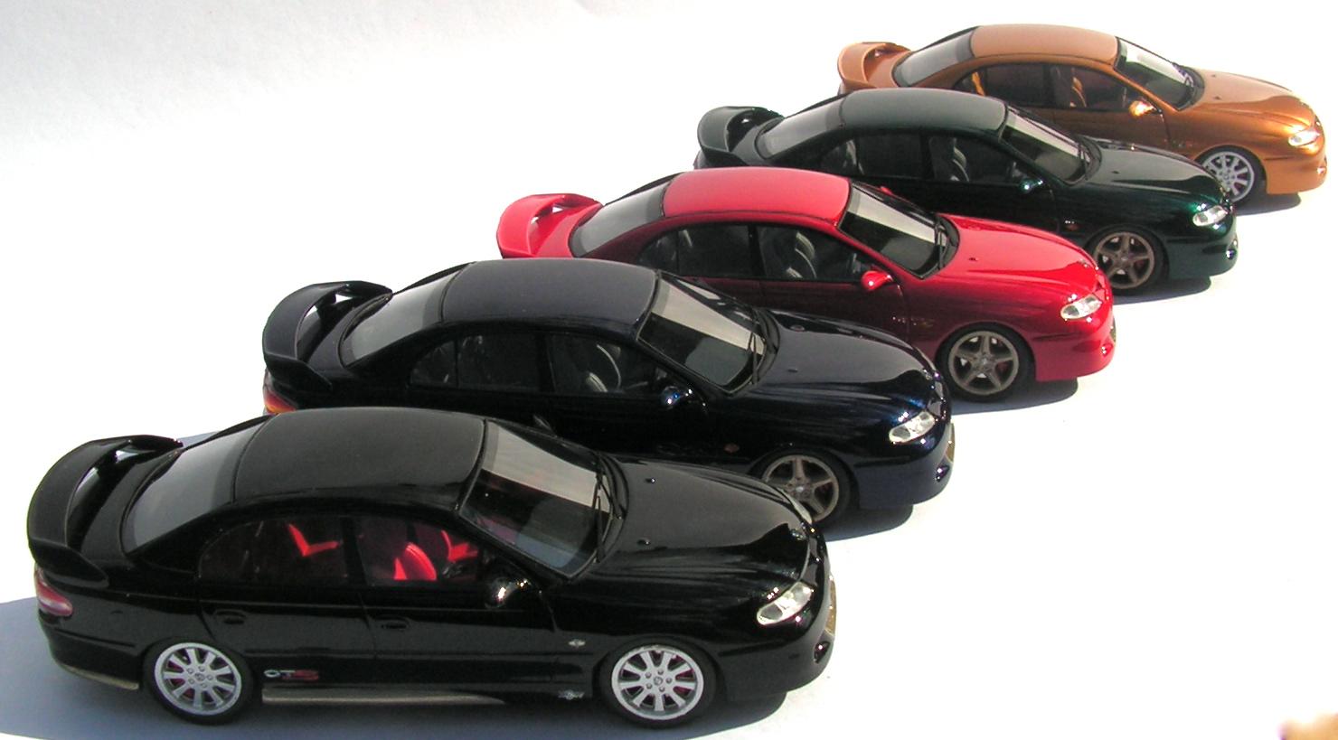 Capital diecast garage a resin revolution revolution for Garage mini monaco