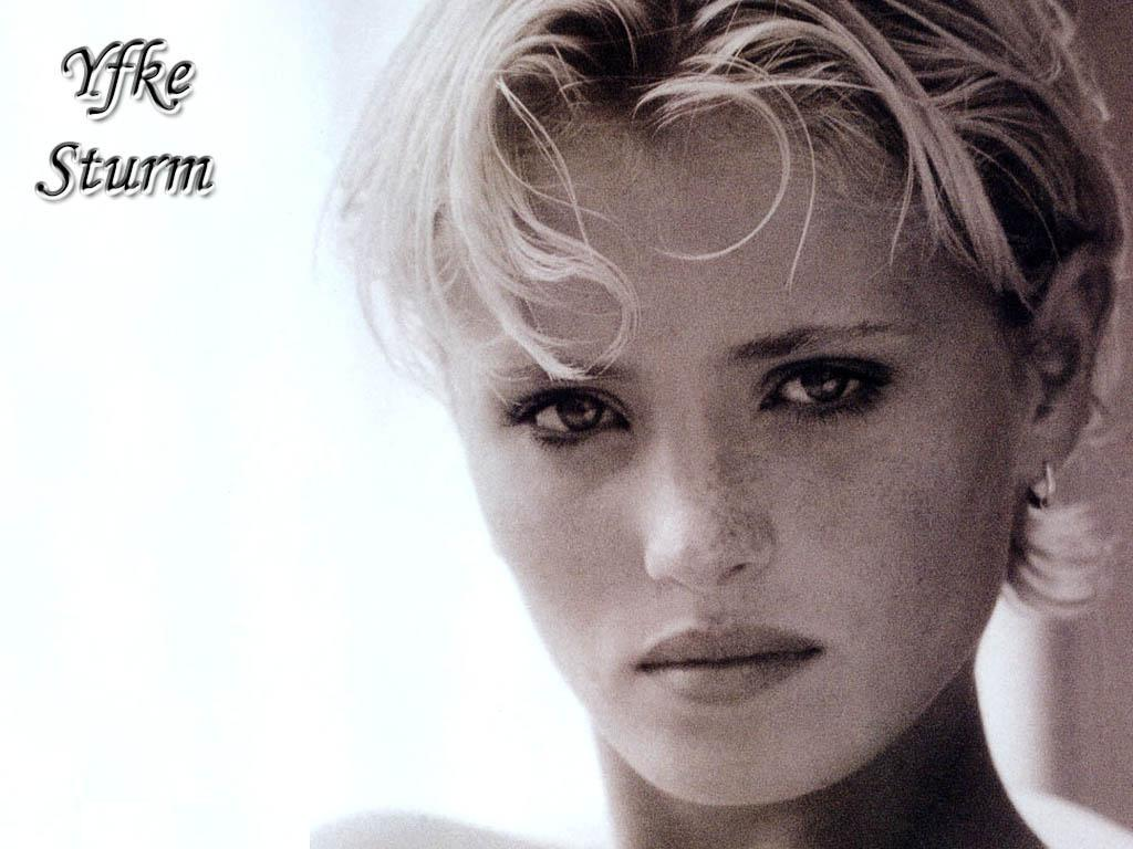 http://1.bp.blogspot.com/-UlxEOlKArnA/TZWYSRXAbmI/AAAAAAAAMqM/Z1HxZfkgZ2g/s1600/Yfke_Storm_wallpapers.jpg