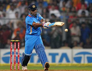 MS-Dhoni-IND-v-ENG-2nd-T20I