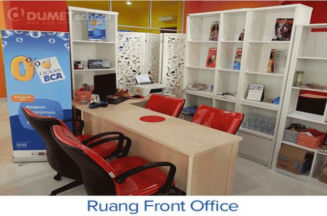 Ruangan Front Office Tempat Kursus Website, SEO, Desain Grafis Favorit 2015 di Jakarta DUMET School