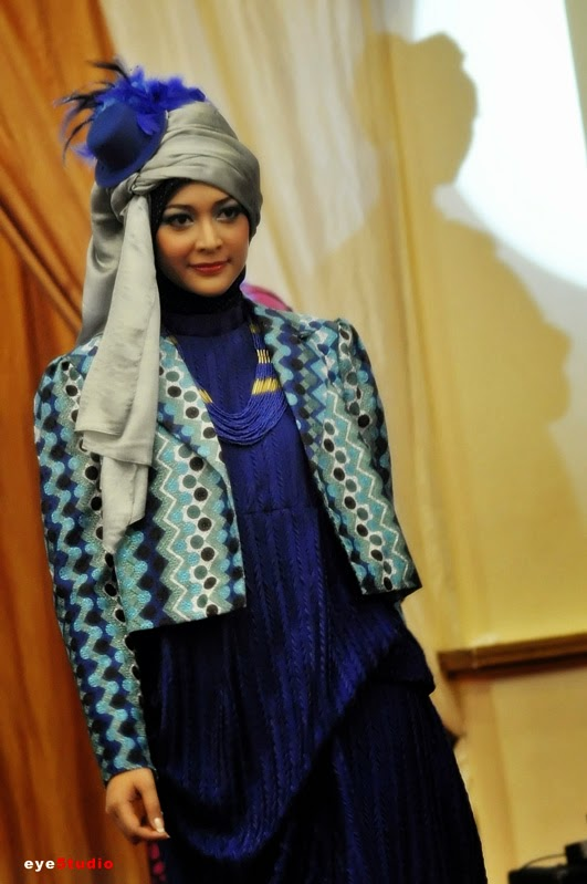https://kupatahu28.files.wordpress.com/2012/11/hijab-fashion-week-2012-19.jpg