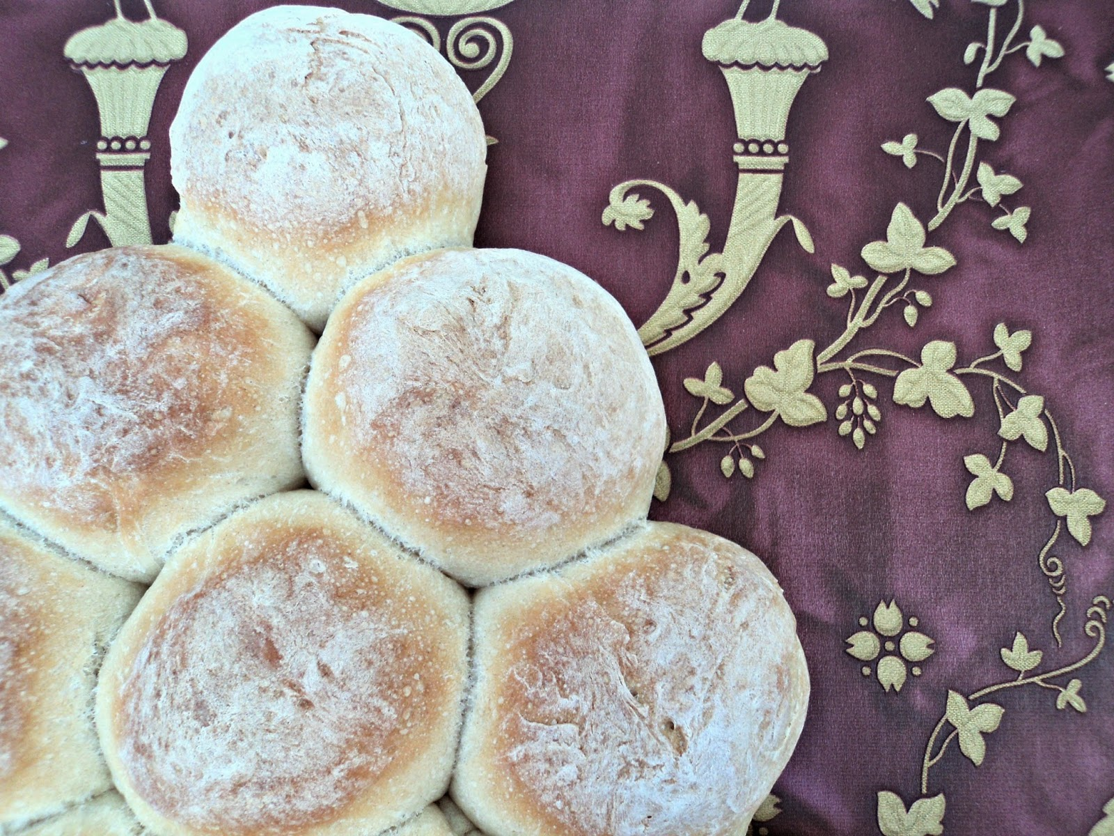 bollitos de pan en forma abeto de Navidad, receta casera