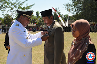 HUT RI di Pemkab Bima, 482 PNS Terima Anugerah Satyalancana Karya Satya