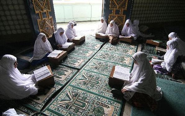 6 Keutamaan Dan Manfaat Tadarus Al-Qur'an