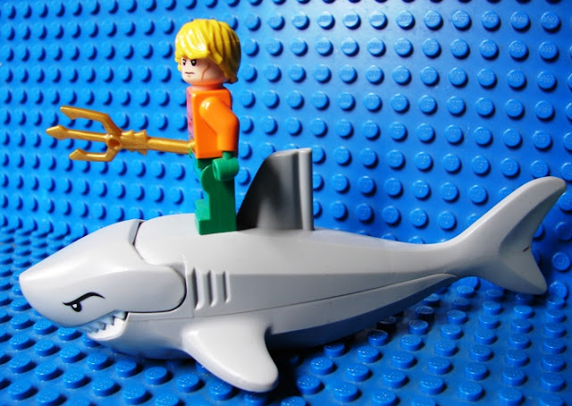 Lego Shark Toys For Boys : Toyriffic lego great white shark and aquaman too