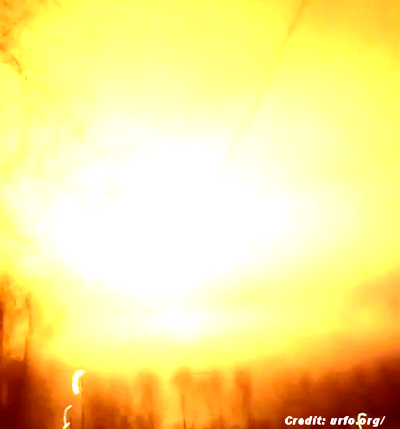 Eerie Flash in the Sky Over the Sverdlovsk Region 11-14-14