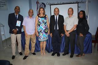 Solano dice programa radial Tocando Fondo procura  contribuir con la familia y el desarrollo de la comunidad