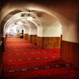 Yeraltı camisi