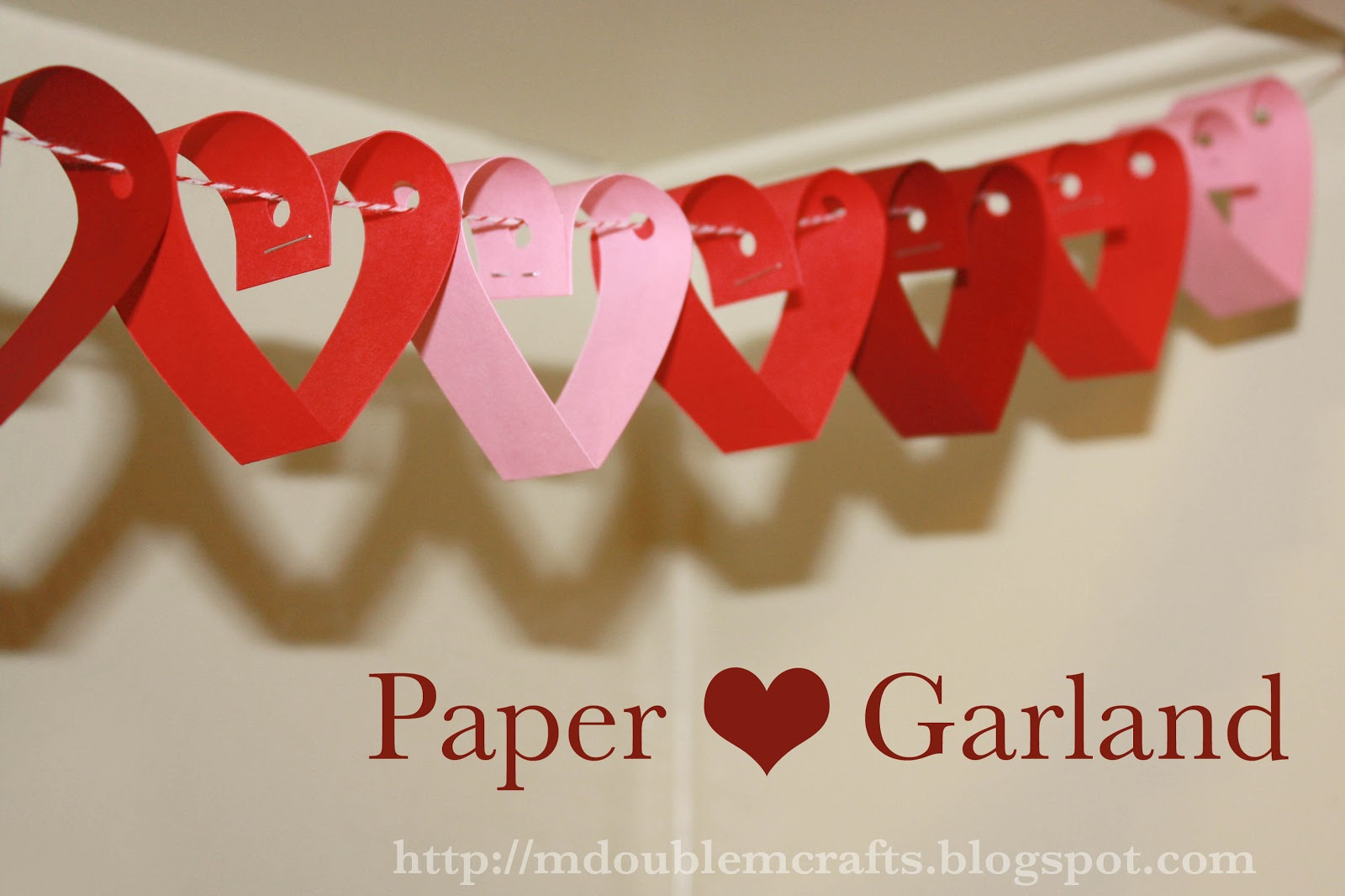 M: Gleam aposN Flex Heart Garland (red) Party Accessory (1)