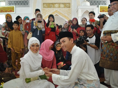 Saiful Bukhari Berpeluh Di Soal Siasat Keluarga Isteri