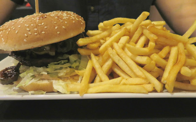 i italian american restaurant Southsea Portsmouth review Burger Chips food