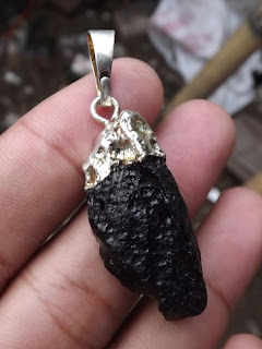natural tektite