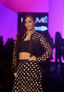 Actress Elli Avram Pictures at Lakme Fashion Week 2015 4.jpg