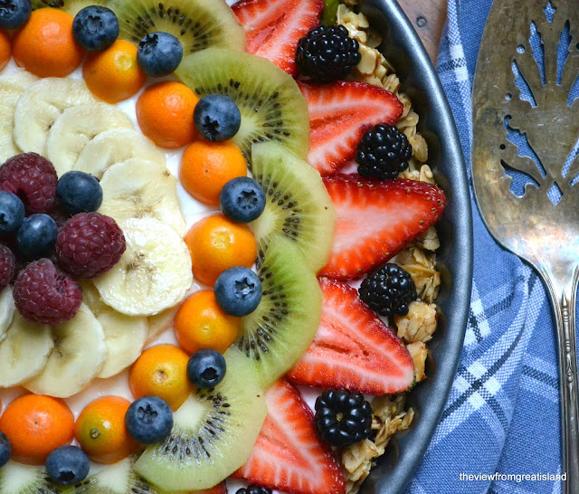 What are some healthy recipes featured on