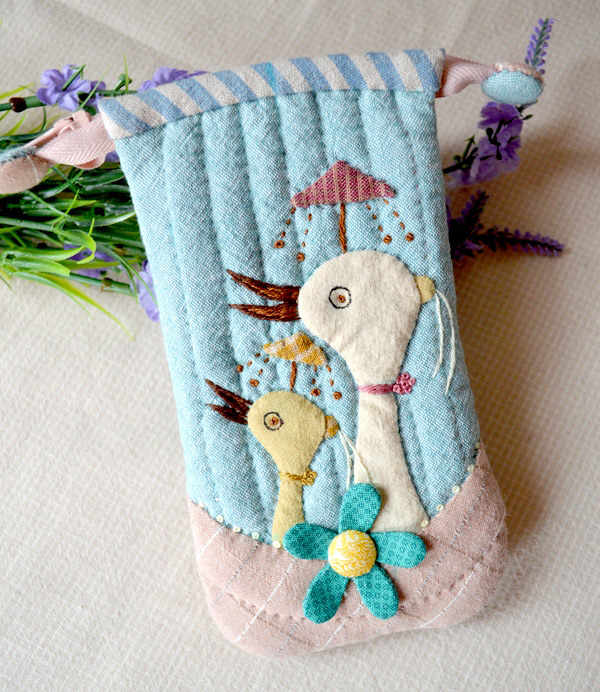 Quilted iPod/Phone Holder. Fabric Phone Case. Photo Sewing