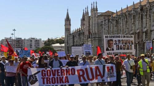 Στην Πορτογαλία ξεφορτώνονται τα Μνημόνια, στην Ελλάδα ετοιμαζόμαστε για νέο