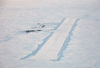 Bandara Sea Ice Es Runway, Antartika