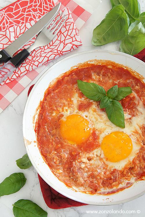 Uova al pomodoro purgatorio ricetta facile e veloce - eggs in tomato sauce light tasty recipe