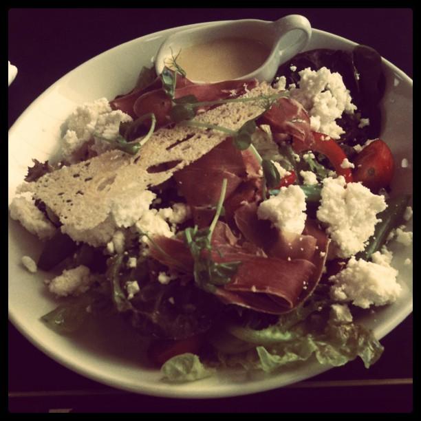 healthy lunch salad at bistro rigoletto stockholm