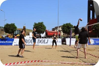 Turneu caritabil: volei pe nisip in Banie