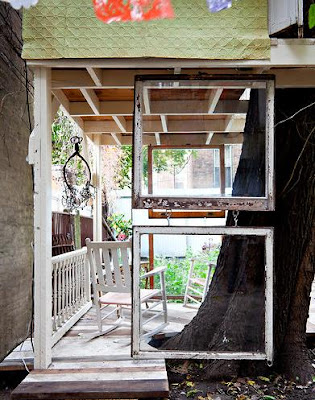 http://www.nytimes.com/slideshow/2011/11/10/garden/20111110-TREEHOUSE.html