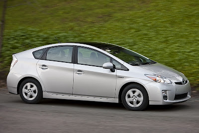Toyota Prius Alpha Order Price