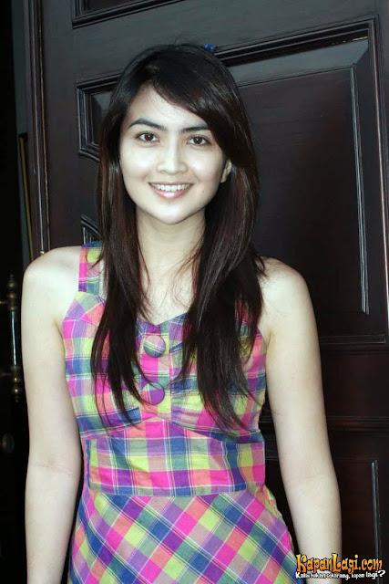 Profil dan Foto Artis Kadek Devi Terbaru 2013