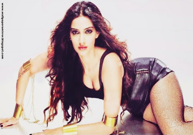 Sonam Kapoor unseen sexy hd wallpapers