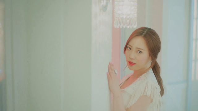 Kara's Youngji in Cupid MV